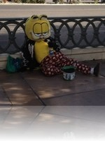 Garfield in Las Vegas Working hard for his Money